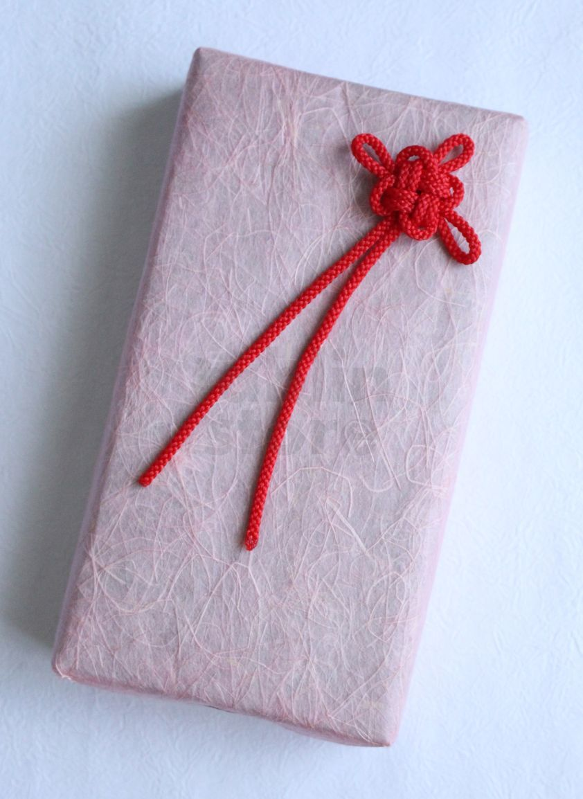 Japanese gift wrapping gift wrapping guide how to kimono for Japanese wrapping