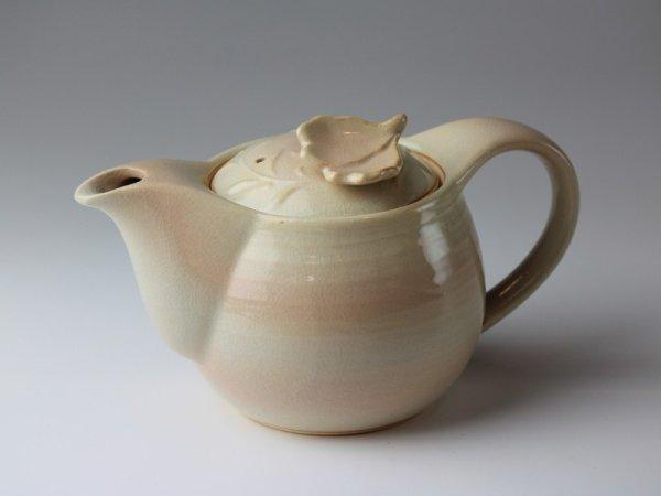 Photo1: Hagi yaki ware Japanese tea pot Mai with stainless tea strainer 390ml