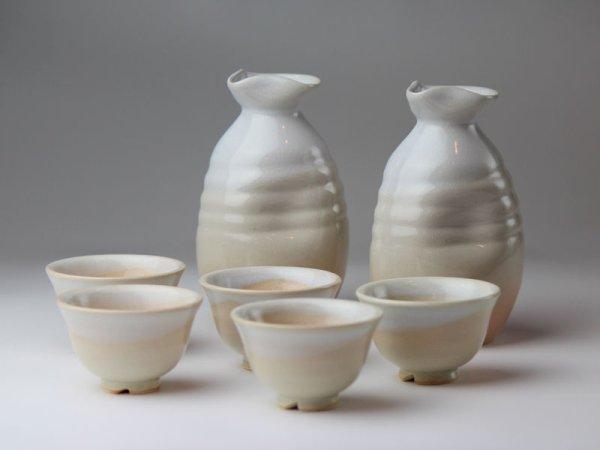 Photo1: Hagi yaki ware Japanese Sake bottle and Sake cup set Yusho shuki