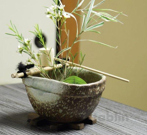 Photo1: Shigaraki pottery Japanese vase flower arrangement Ikebana tsukubai oribe H9cm