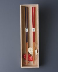 Hasami Porcelain Japanese chopsticks & rest medetai porgy shape Gift set