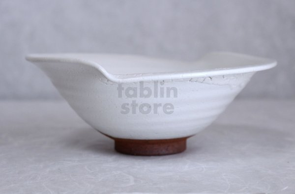 Photo2: Hagi ware Japanese Serving bowl White glaze Morning glory W200mm