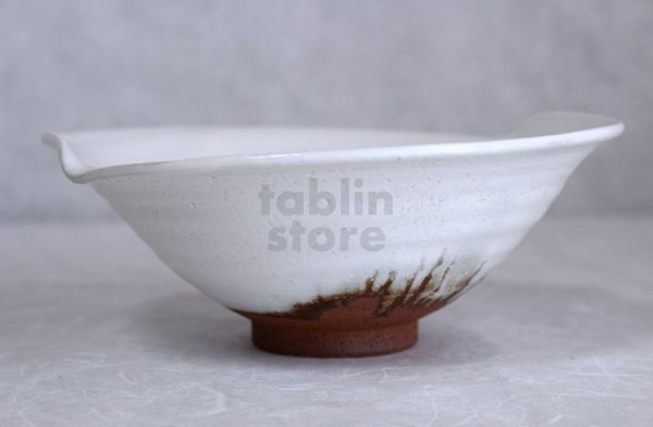 Photo1: Hagi ware Japanese Serving bowl White glaze Morning glory W200mm