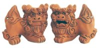 shiisa lion-shaped roof ornament of Okinawa pottery unglazed H 7.5cm set of 2