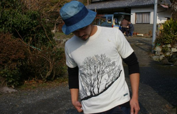 Photo2: Natural and Hand dyes Mitsuru unisexed T-shirt made in Japan moonlight