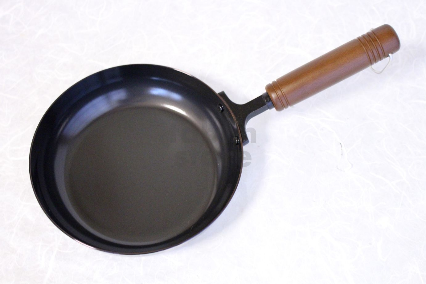 japanese frying pan wooden handle round enzo d18cm made in japan